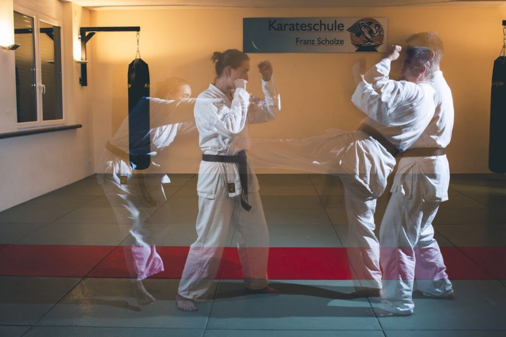 Karate mit Technikübung